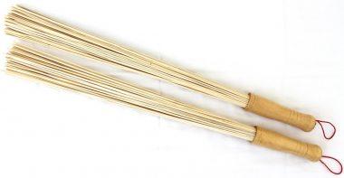 Bamboo-sauna-whisk-for-2